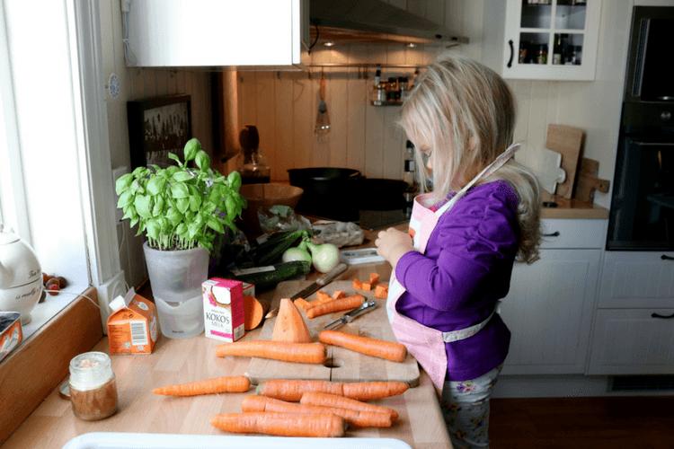 Gulrotsuppe med søtpotet, gurkemeie og koriander - fra 6 måneder