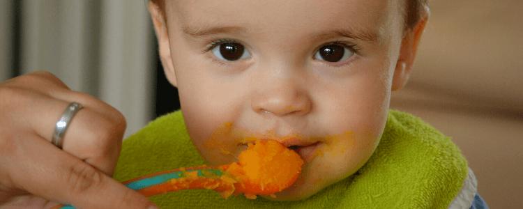 Usikker på hvilke matvarer babyen din kan få? Her får du oversikten!