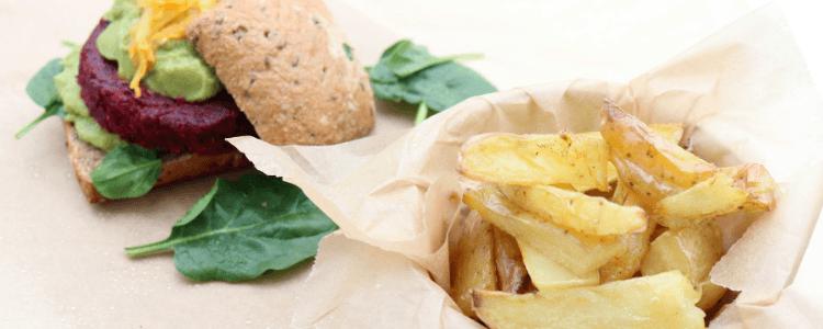 Rødbetburger med ovnsbakte poteter - fra 1 år